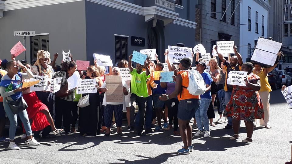 Plea bargain denied: Protest at Robyn Pearce plea trial