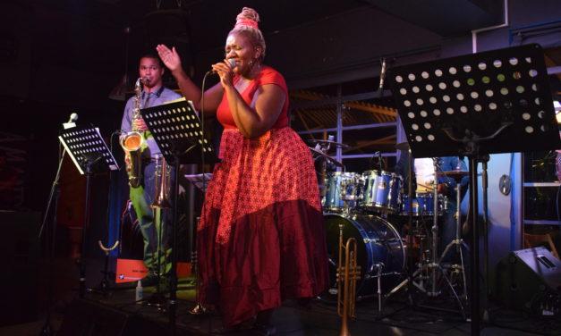 The Little Giants bring jazz en vreugde na Kayamandi